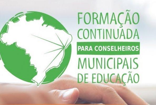 Canelinha participa de Formação Continuada de Conselheiros Municipais de Educação